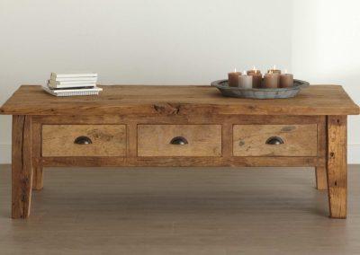 Oud eiken salontafel met lades