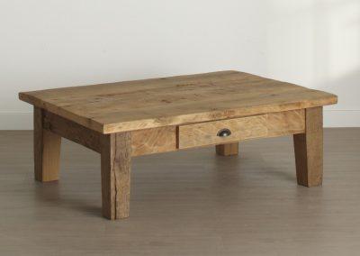 Oud eiken salontafel met lade
