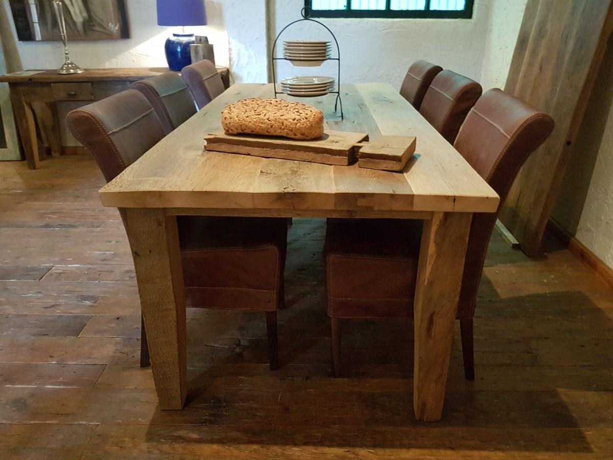 Oud eiken tafel Lissabon 3