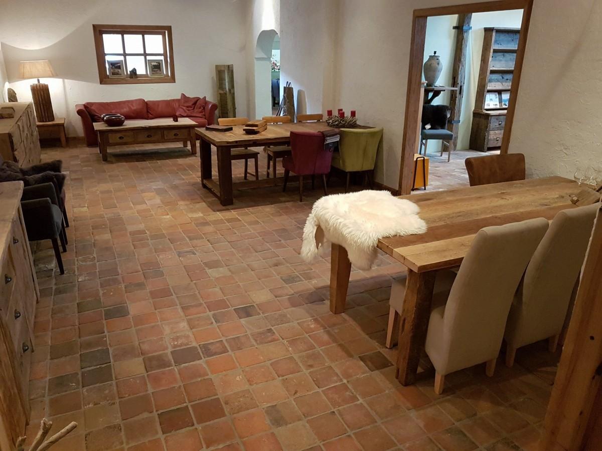 Massieve oud eiken meubelen